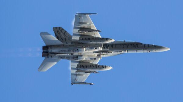 Американский истребитель F-18