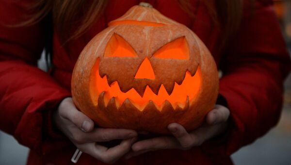 Участница Зомби-парада в канун Хэллоуина. Архивное фото