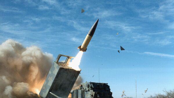 Американский оперативно-тактический ракетный комплекс MGM-140 ATACMS с баллистической ракетой малой дальности