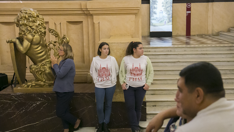 Волонтеры и посетители Исторического музея на акции Ночь искусств