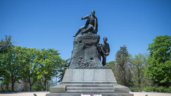 Памятник вице-адмиралу В.А. Корнилову на Малаховом кургане в Севастополе. Архивное фото