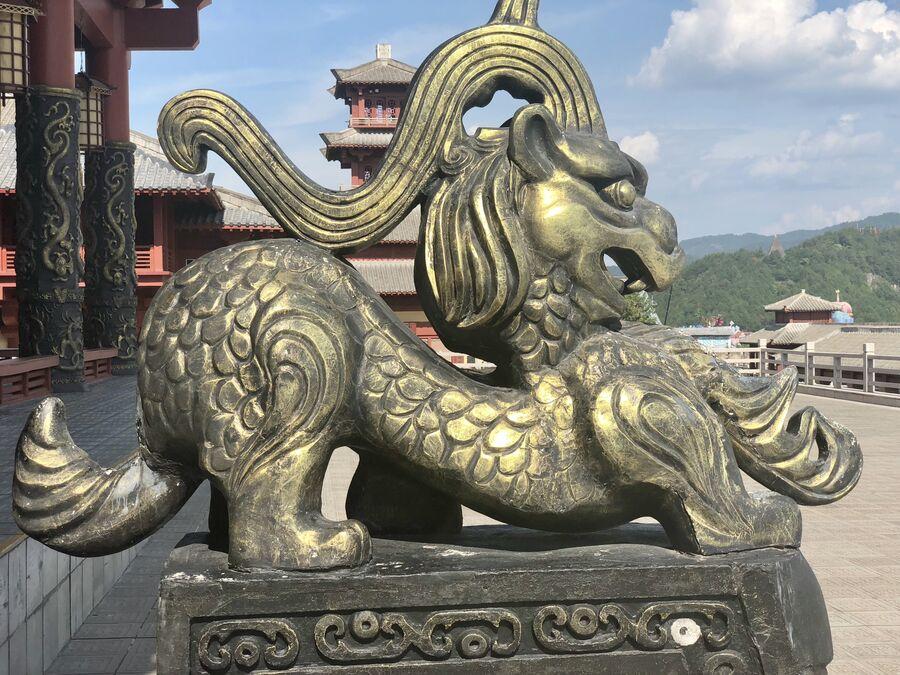 Декоративный элемент на входе в дворец Циньван, Чжэцзян, Китай