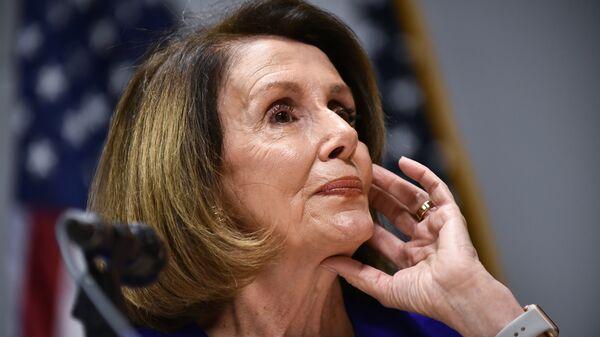 Лидер демократов Нэнси Пелоси в палате представителей