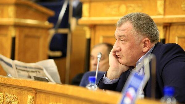 Депутат законодательного собрания Ленинградской области Владимир Петров