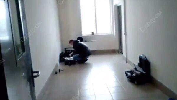 Место убийства в подъезде жилого дома в Новокузнецке