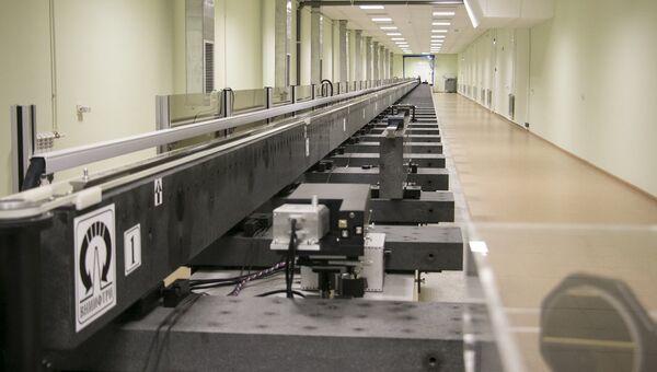 Эталонный измерительный комплекс в диапазоне длин до 60 м на основе фемтосекундного лазера и измерительного базиса