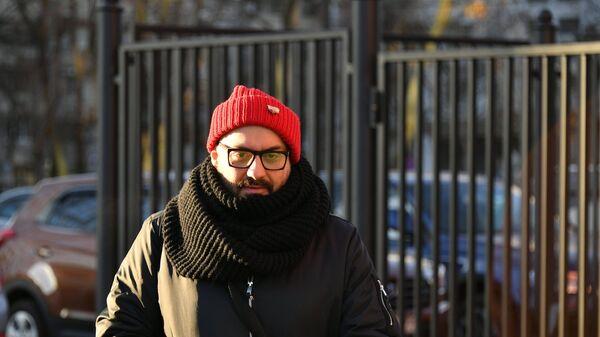 Художественный руководитель театра Гоголь-центр Кирилл Серебренников перед слушанием по уголовному делу Седьмой студии у Мещанского суда Москвы. 13 ноября 2018