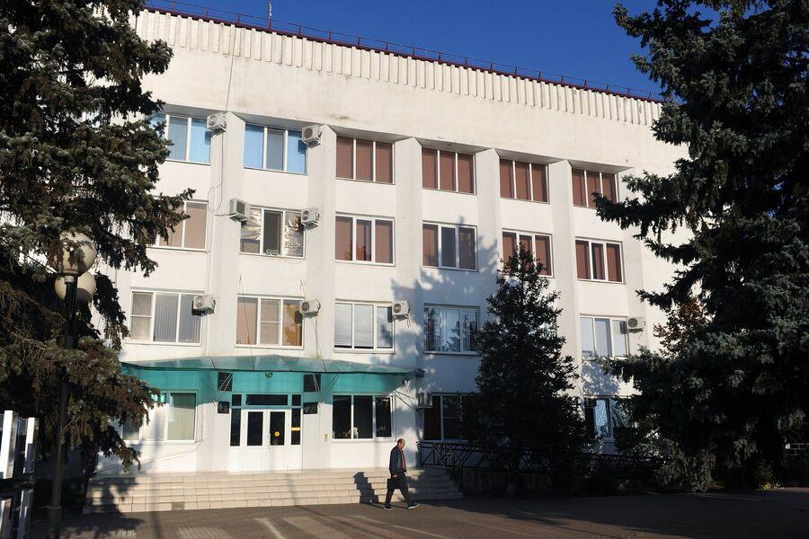 Здание администрации в станице Кущевская Краснодарского края