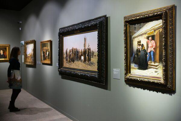 Выставка Сокровища музеев России открылась в Москве