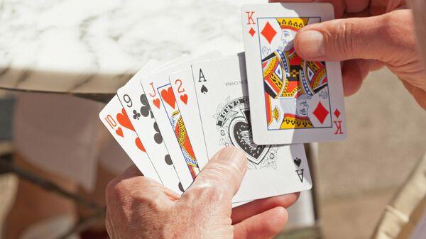 Как играть в воровские карты скачать игры на андроид покер не онлайн на