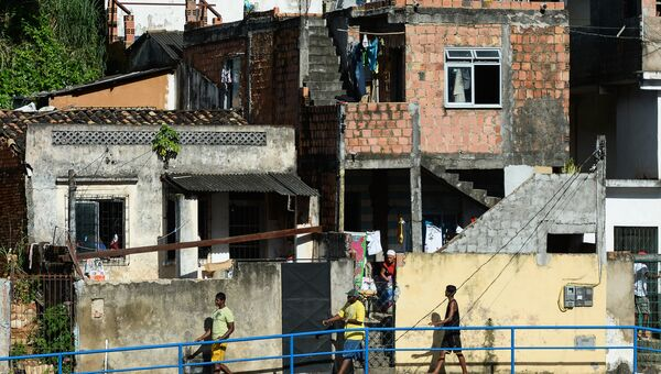 Фавелы неподалеку от стадиона Фонте Нова в Сальвадоре