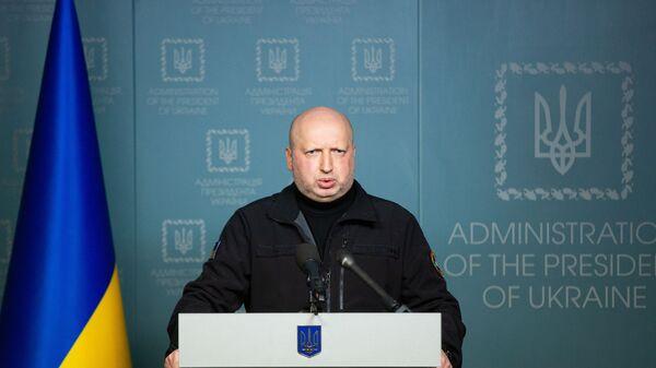 Секретарь СНБО Александр Турчинов во время заявления для прессы в Администрации президента Украины в Киеве