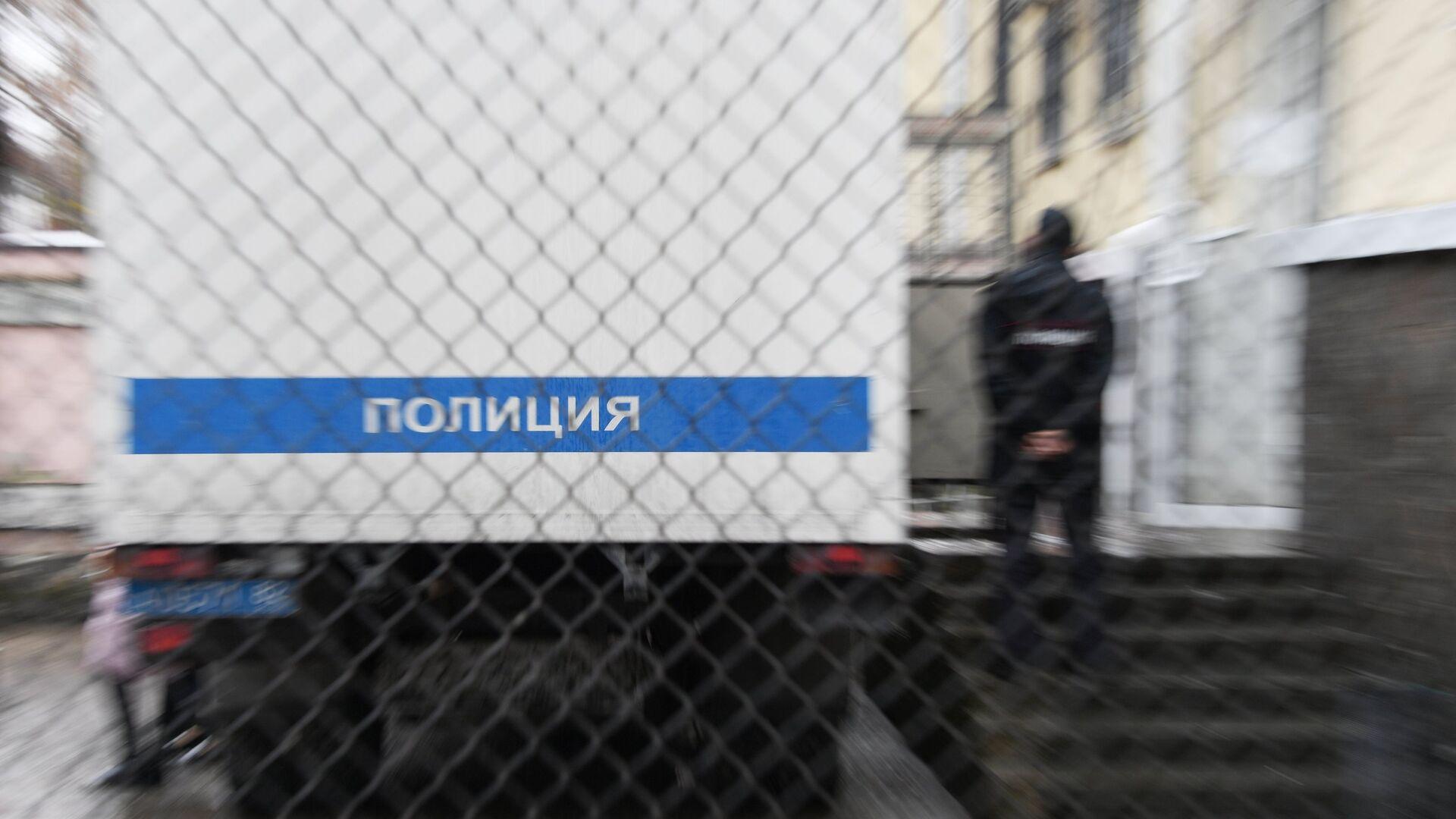 В Свердловской области иномарка протаранила полицейский автозак
