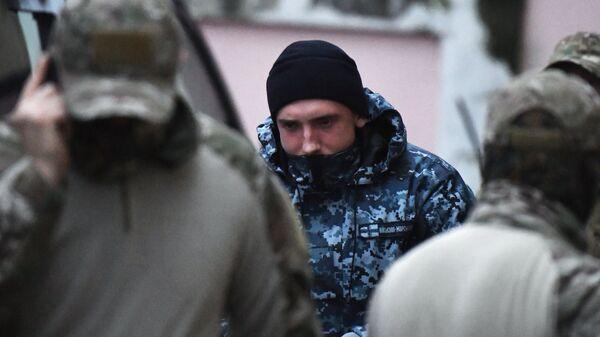 Один из задержанных моряков с корабля ВМС Украины