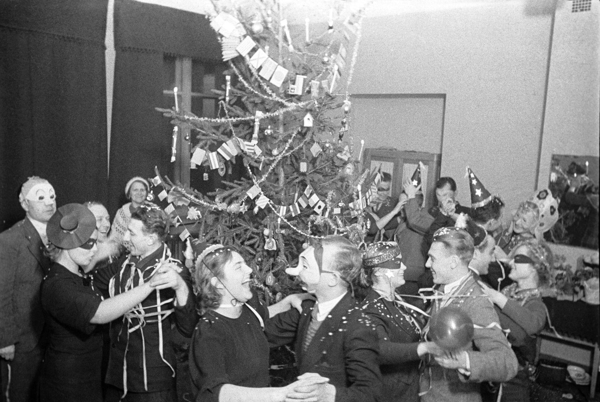 Новогодний вечер в одном из московских клубов. 1938 год - РИА Новости, 1920, 27.12.2020