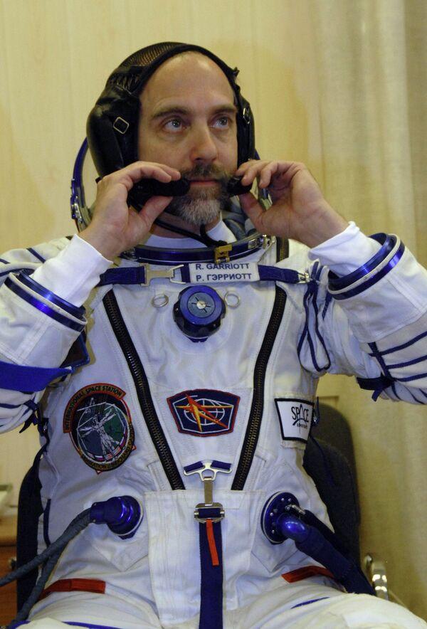 Двое космонавтов на МКС впервые опробуют скафандры Орлан-МК