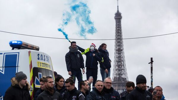 Забастовка работников скорой помощи в Париже