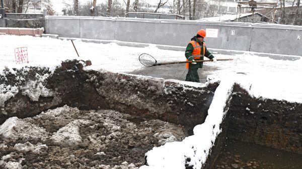 Работа снегоплавильного пункта Мосводостока