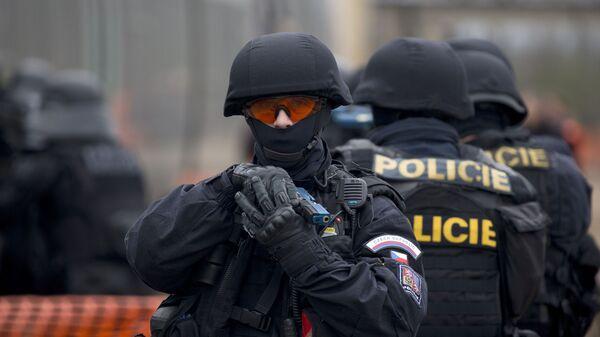 Чешский полицейский во время учений