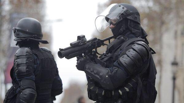 Сотрудники правоохранительных органов во Франции