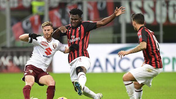 Игровой момент матча Милан - Торино