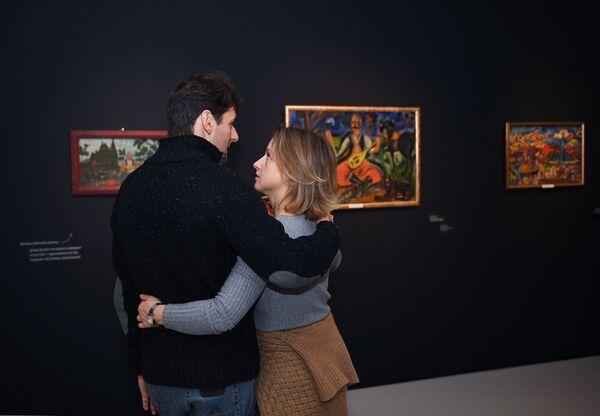 Посетители выставки в Музее русского импрессионизма