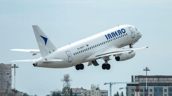 Самолет Superjet авиакомпании ИрАэро