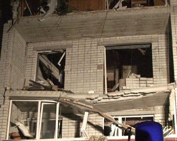 Взрыв разрушил три этажа жилого дома в Ростовской области