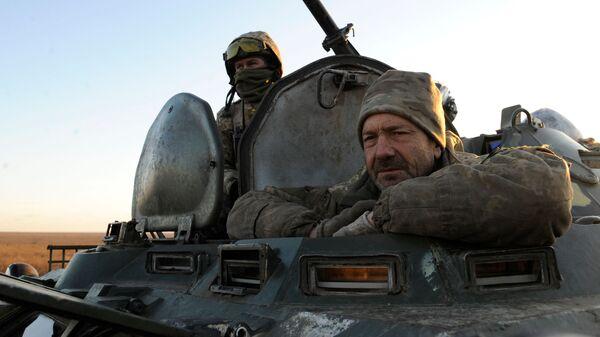 Украинские военнослужащие во время учений на востоке Украины