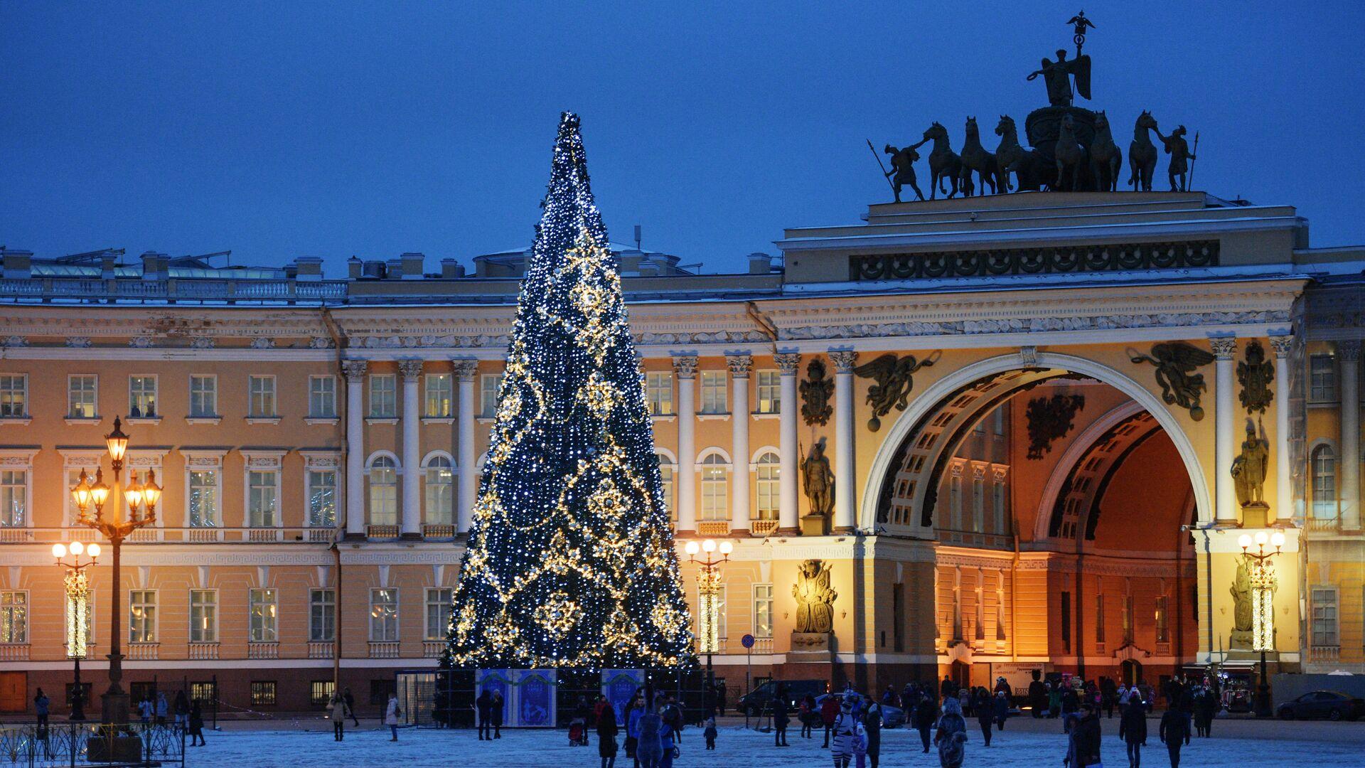 Главная новогодняя елка на Дворцовой площади в Санкт-Петербурге - РИА Новости, 1920, 03.12.2020