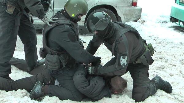 ФСБ России пресекла деятельность преступной группы по изготовлению и сбыту оружия и боеприпасов