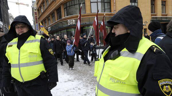 Сотрудники полиции в Риге