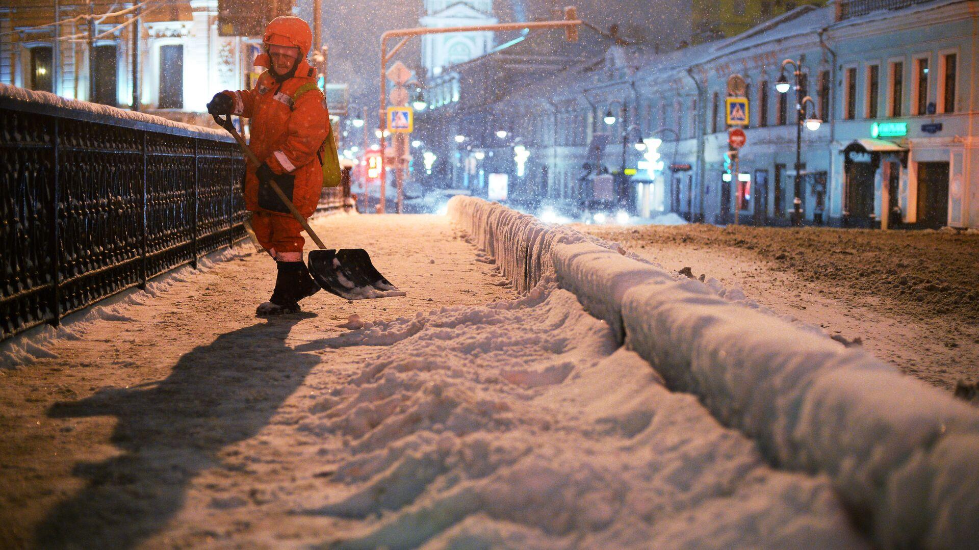 Уборка снега в Москве - РИА Новости, 1920, 14.01.2021
