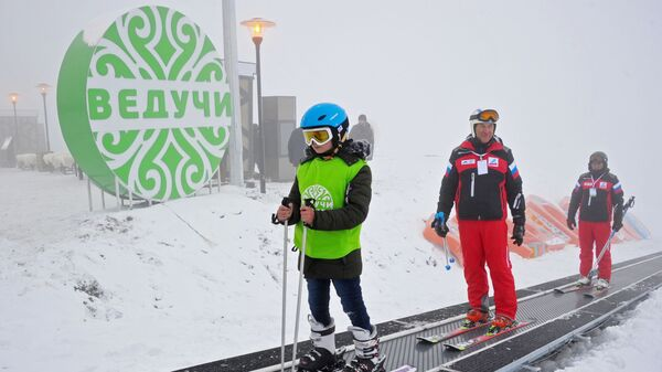 Спортсмены на горнолыжном курорте Ведучи в Чеченской Республике
