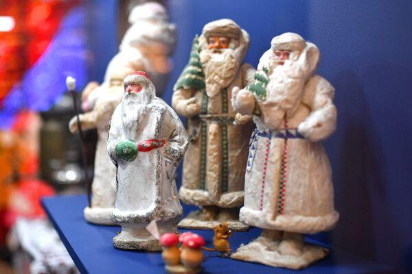 Выставка Старый добрый Новый год в музее Победы
