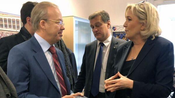 Встреча делегации Крыма с лидером партии Национальное объединение Марин Ле Пен в Париже