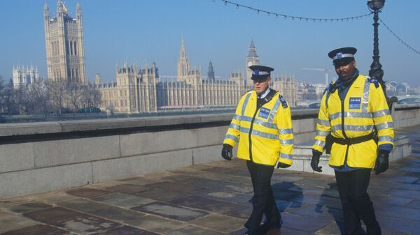 Полицейские на улице Лондона