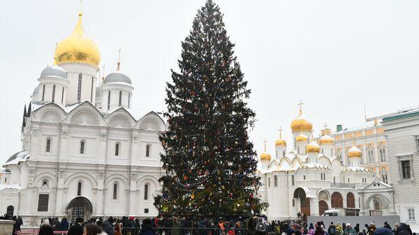 Новогодняя елка на Соборной площади Московского Кремля. Архивное фото