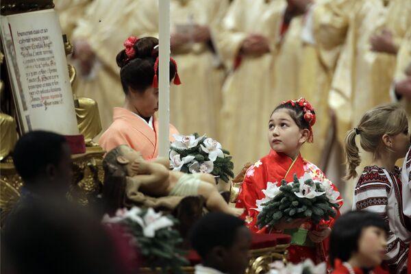 Рождественская месса в базилике Святого Петра в Ватикане