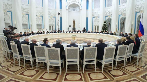 Президент РФ Владимир Путин проводит встречу с руководством Совета Федерации РФ, Государственной Думы РФ
