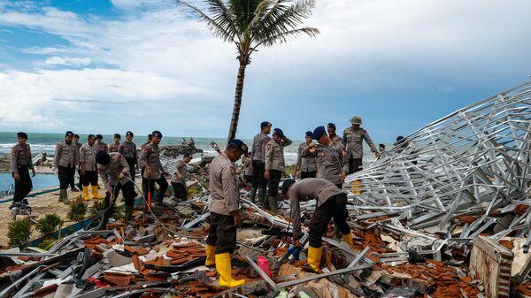 Последствия цунами в Индонезии. 24 декабря 2018 года