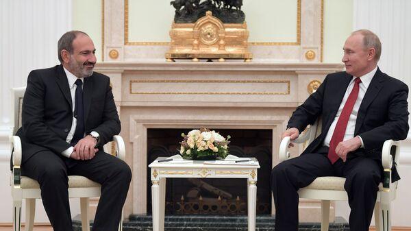 Владимир Путин и исполняющий обязанности премьер-министра Армении Никол Пашинян во время встречи. 27 декабря 2018