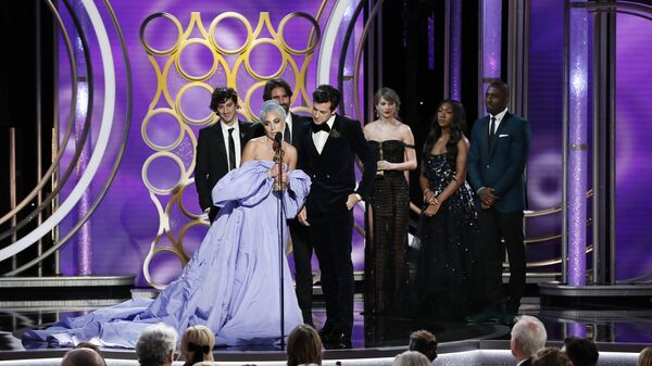 Леди Гага получила Золотой глобус за песню к фильму Звезда родилась