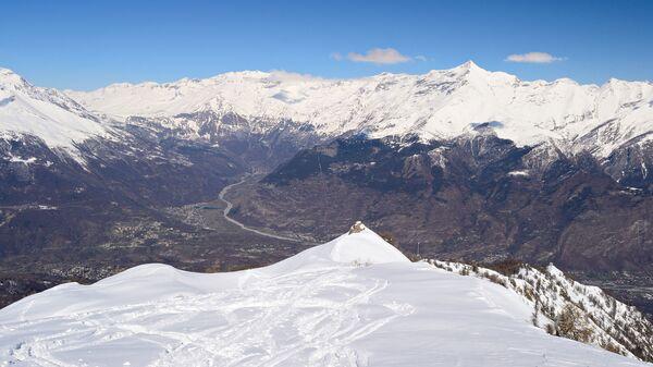 Вид с вершины горы на долину Сузы, Италия
