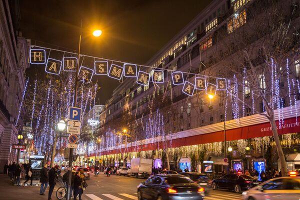 Рождественское украшение Парижа