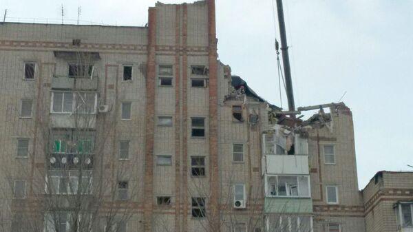 Разбор завалов на месте взрыва газа в жилом доме в Шахтах. 15 января 2019