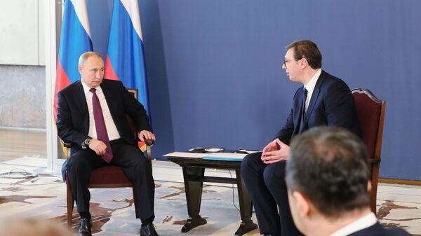 Президент РФ Владимир Путин и президент Республики Сербии Александр Вучич во время встречи в Белграде