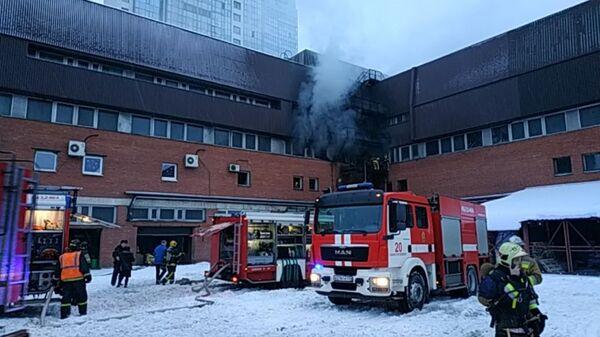 Пожар в типографском комплексе в Кировском районе Санкт-Петербурга. 17 января 2019