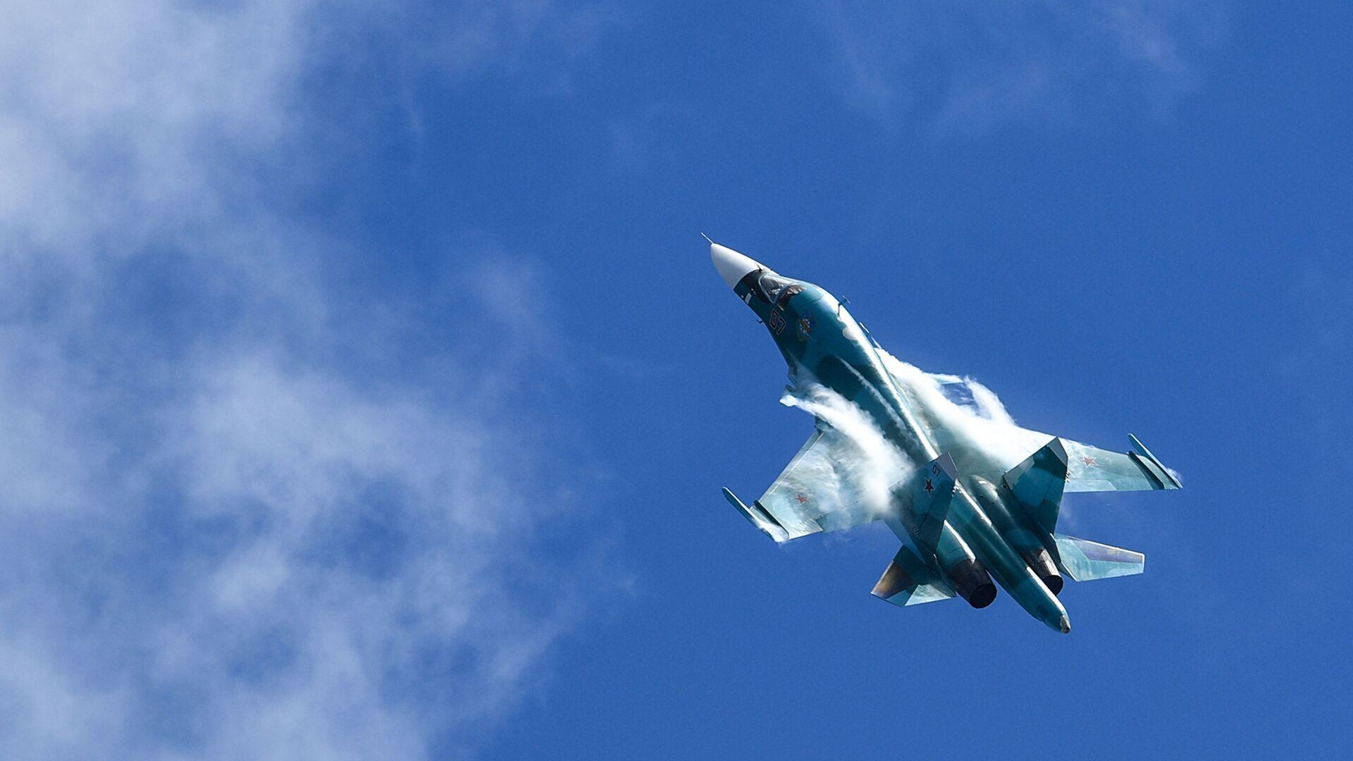 Истребитель-бомбардировщик Су-34 - РИА Новости, 1920, 06.09.2020
