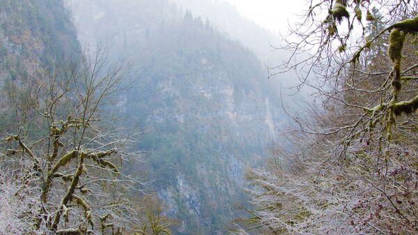 Горная дорога в Абхазии